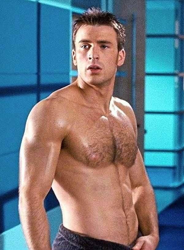 Famosos Nus - Chris Evans exibe corpo sarado em foto