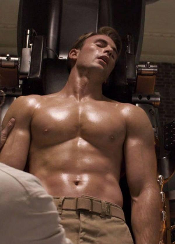 Famosos pelados - Foto de Chris Evans exibindo corpo sarado
