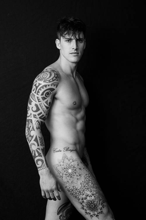 Foto do modelo Danilo Borgato nu